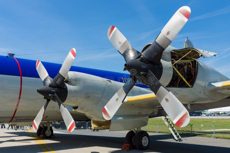 Maschinen Allison T56-A-14 der viermotorigen Turboprop-Triebwerk U-Boot-Abwehr- und Seeüberwachungsflugzeuge Lockheed P-3C Orion lizenzfreies stockfoto