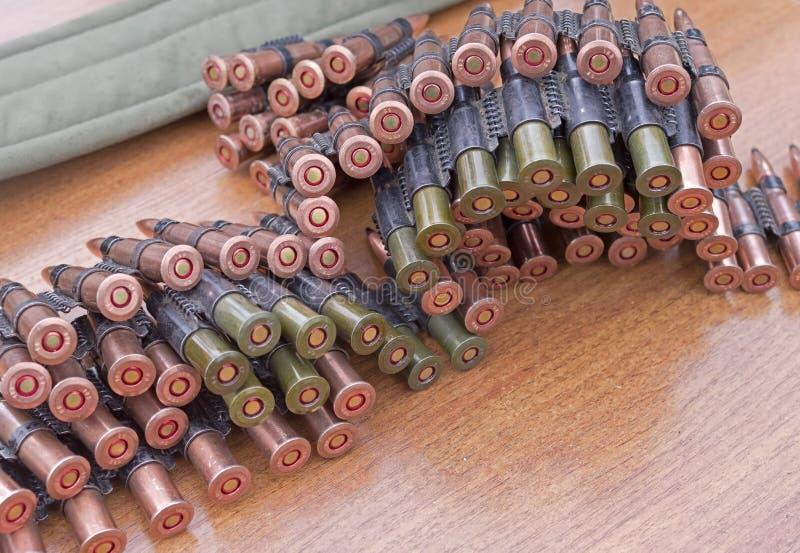 Maschinengewehr-Munition lizenzfreie stockbilder