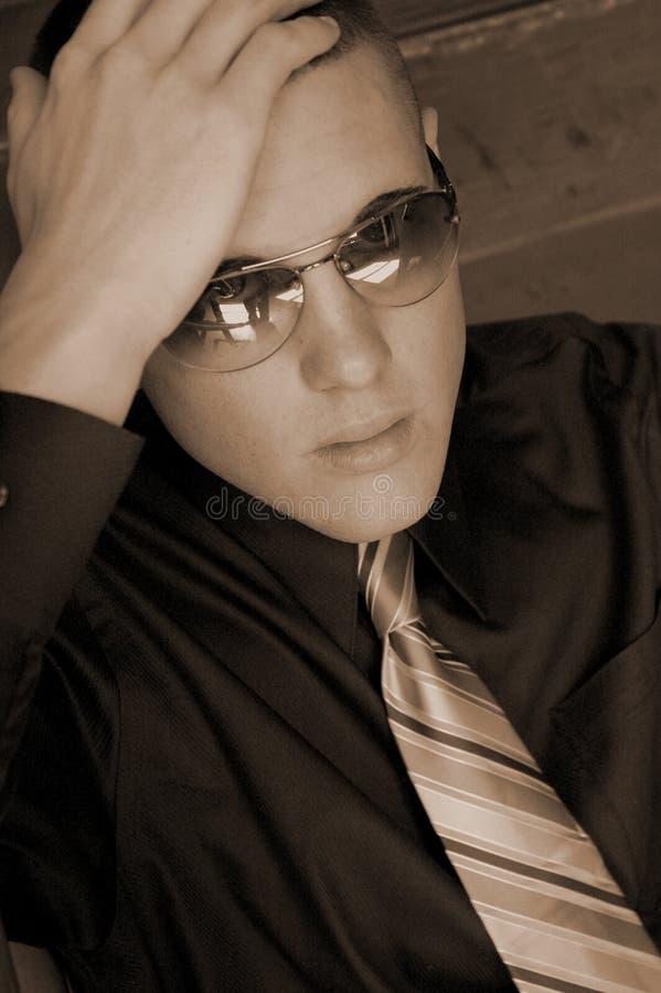 Maschio con gli occhiali da sole fotografie stock