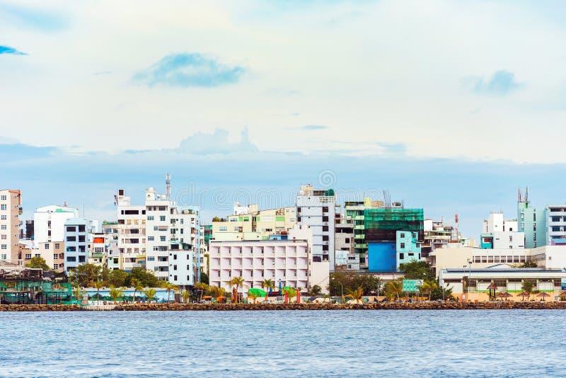MASCHIO, MALDIVE - 27 NOVEMBRE, 2016: Vista della città del maschio immagine stock