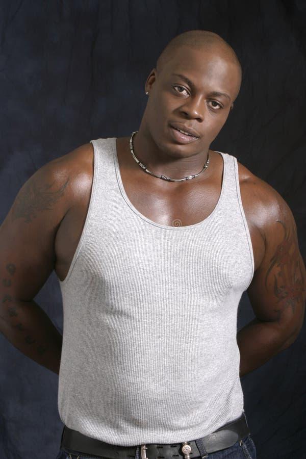 Maschio muscolare dell'afroamericano fotografie stock libere da diritti