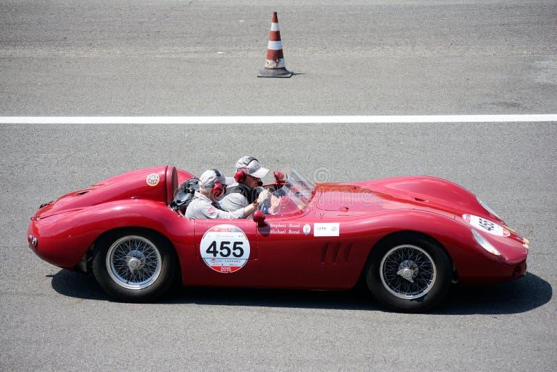 Maserati 250在Mille Miglia的SI 1957年 库存图片