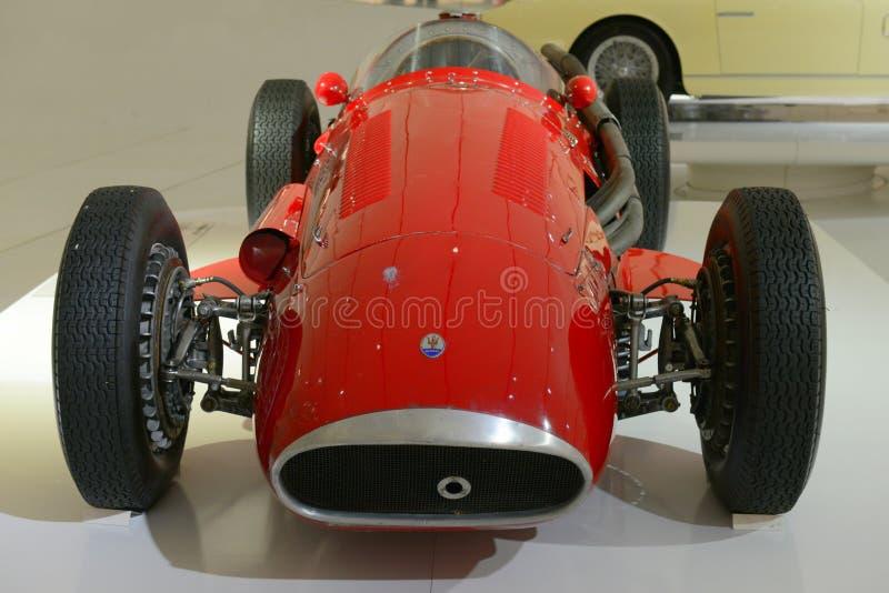 Maserati 250 F - laufende Legende F1 stockbilder
