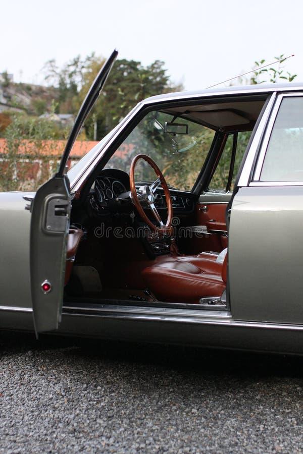 Maserati Quattroporte 1965 - entrée principale ouverte photographie stock libre de droits