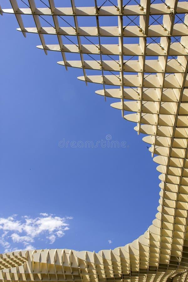 Masern Sie grafisches Detail von Metropol-Sonnenschirm in Plaza de la Encarn stockbilder