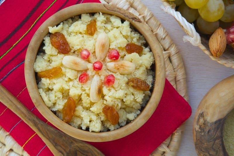 Masfouf - Tunisian tradicional cuscuz abrandado imagem de stock