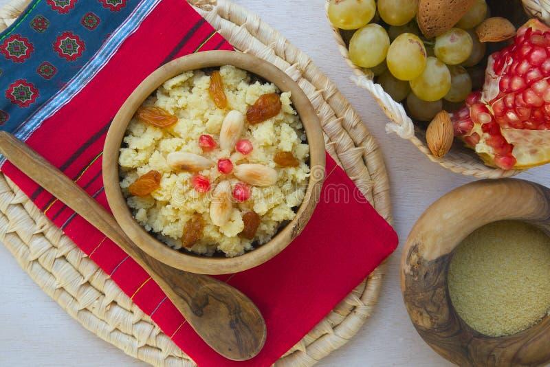 Masfouf - Tunisian tradicional cuscuz abrandado foto de stock royalty free