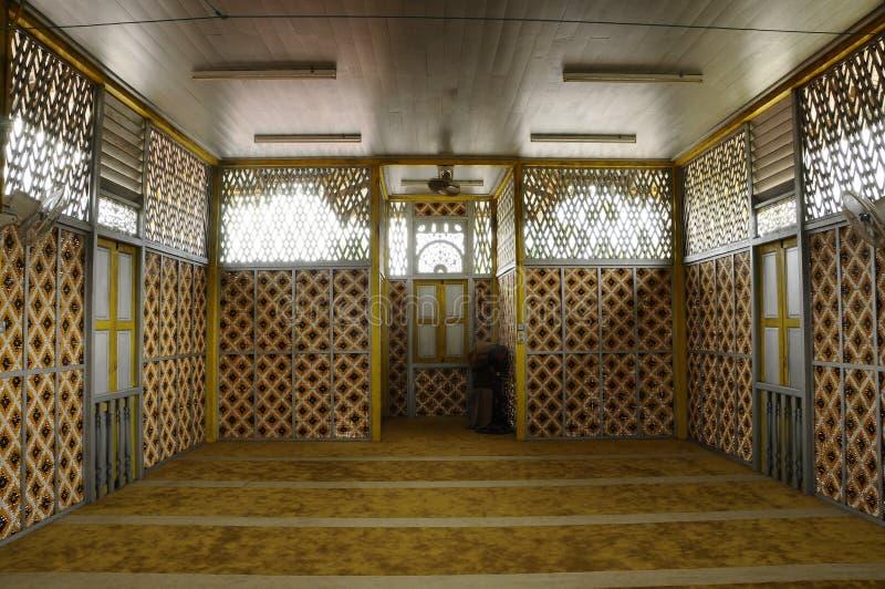 Masjid在瓜拉江沙县的Ihsaniah Iskandariah内部  图库摄影