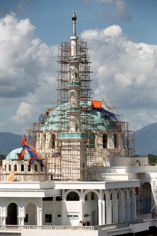 Masjid Bandar moské under konstruktion royaltyfri fotografi