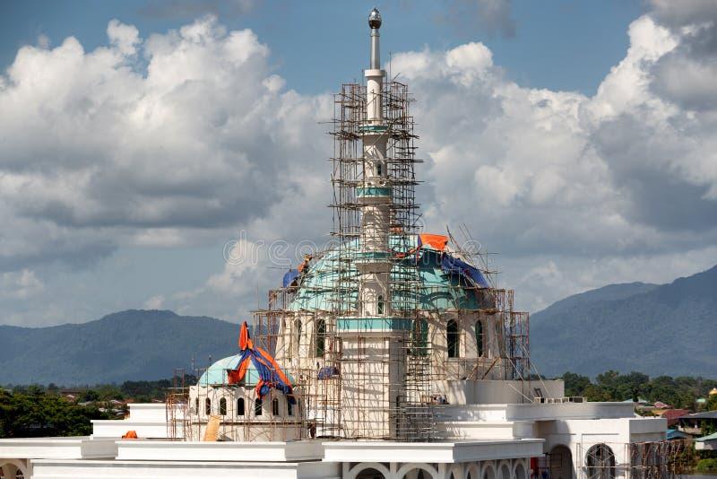 Masjid Bandar moské under konstruktion royaltyfri foto