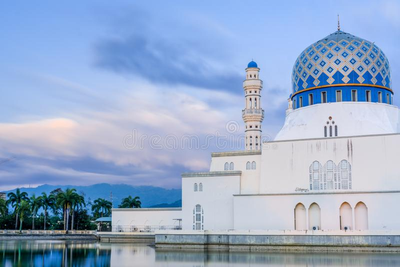 Masjid Bandaraya或亚庇城市清真寺,沙巴,马来西亚 免版税库存照片