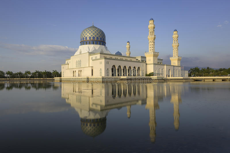 Masjid Bandaraya i Kota Kinabalu, Malaysia arkivfoto