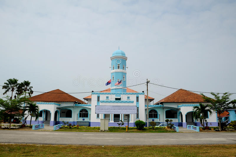 Masjid Jamek Dato Bentara Luar in Batu Pahat, Johor, Malaysia. BATU PAHAT, MALAYSIA – JANUARY, 2014: Masjid Jamek Dato Bentara Luar is a old mosque build royalty free stock photos