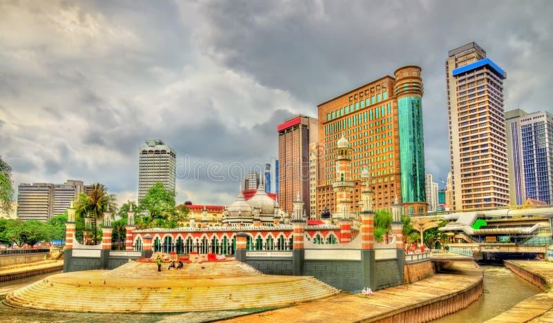 Masjid Jamek, en av de äldsta moskéerna i Kuala Lumpur, Malaysia royaltyfri foto