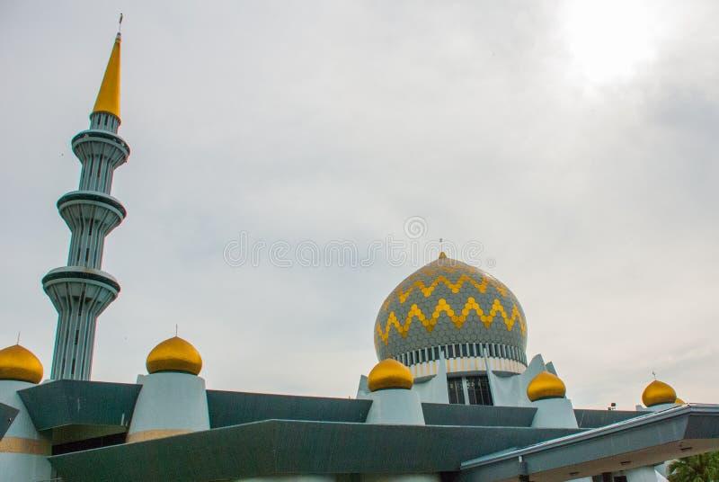 Masjid Negeri Sabah a mesquita do estado de Sabah, Malásia Kota Kinabalu fotografia de stock royalty free