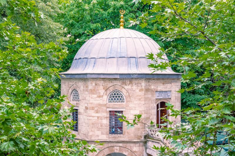 Masjid o moschea al cortile di Koza storico Han a Bursa, Turchia fotografie stock
