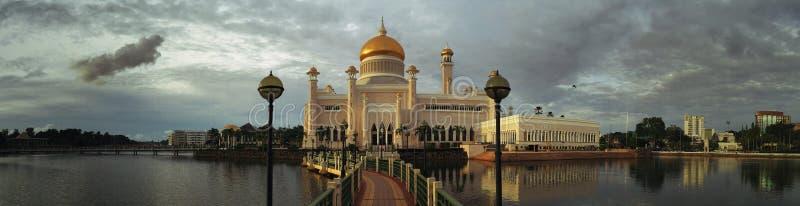 Masjid Sultan Omar Ali Saifuddin Mosque em Brunei Darussalam fotos de stock royalty free