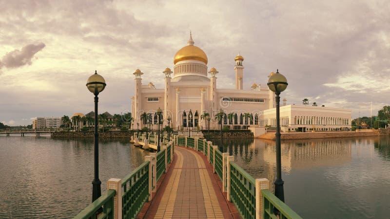 Masjid Sultan Omar Ali Saifuddin Mosque i Brunei arkivbild