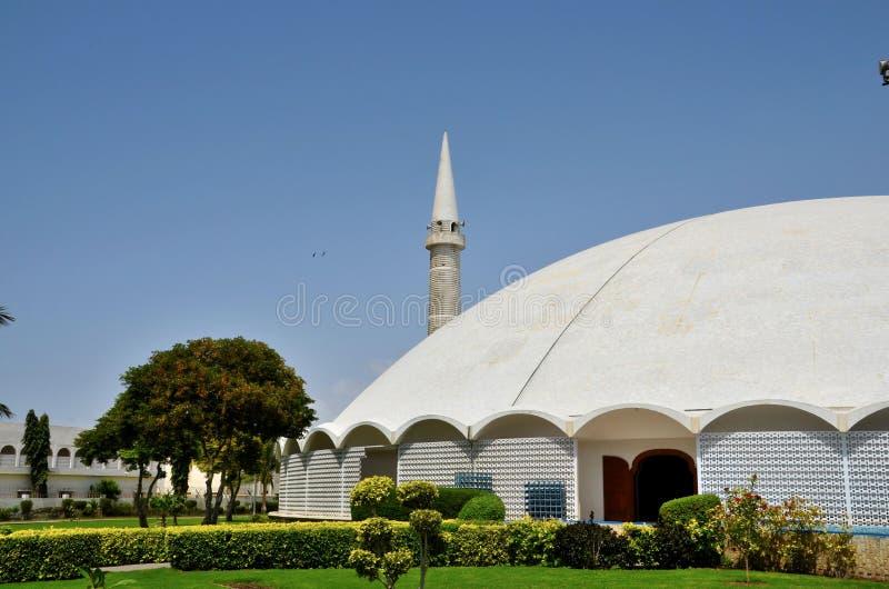 Masjid Tooba of Ronde Moskee met marmeren koepelminaret en tuinendefensie Pakistan Van karachi royalty-vrije stock foto's