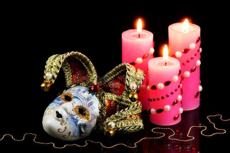 Mask jester merry carnival performance, símbolo da transformação teatral, mudança e mistério, o real no desejado fotografia de stock