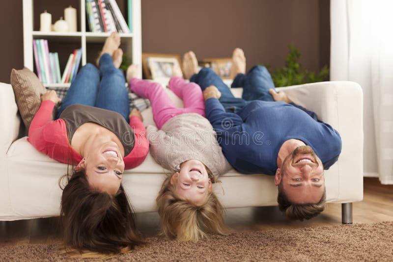 Maska hemma fotografering för bildbyråer
