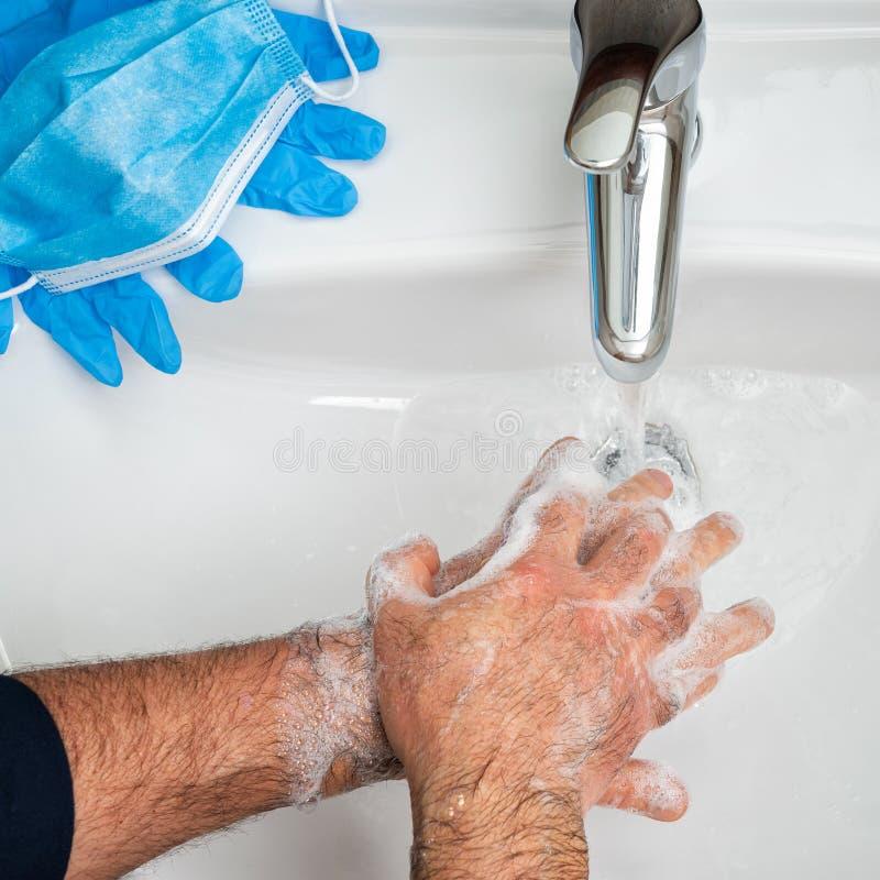 Maska, rękawice i mycie rąk w celu zapobiegania zakażeniu wirusem Coronavirus; Covid-19 obraz stock