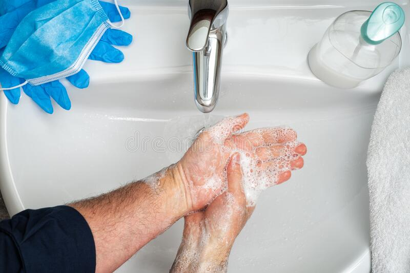 Maska, rękawice i mycie rąk w celu zapobiegania zakażeniu wirusem Coronavirus; Covid-19 zdjęcia stock