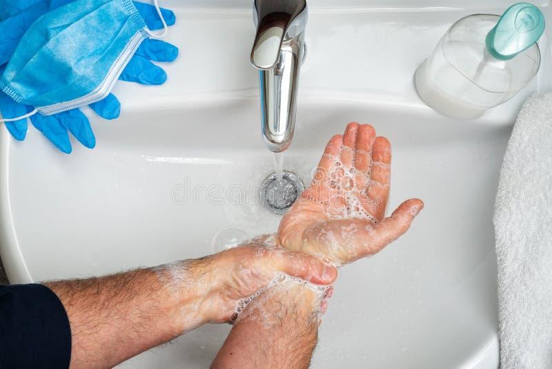 Maska, rękawice i mycie rąk w celu zapobiegania zakażeniu wirusem Coronavirus; Covid-19 obrazy stock