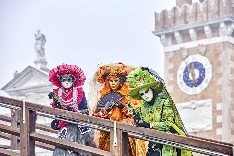 maska venetian karnawał odizolowywający Italy maskowy Venice biel Karnawałowy Wenecja 2017 portret Costumed kobieta przy Wenecką  fotografia stock
