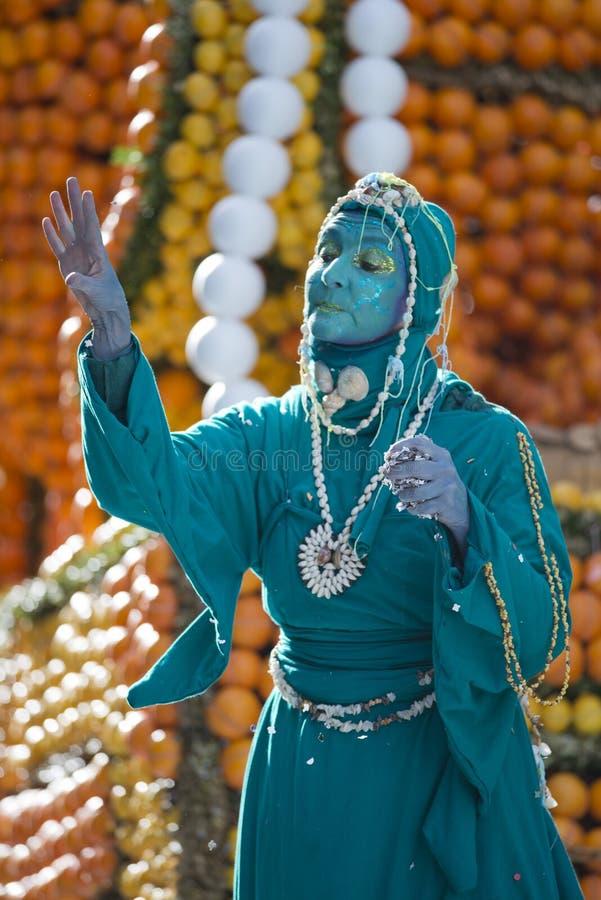Masker in der Zitronen-Festival-Parade stockfotografie