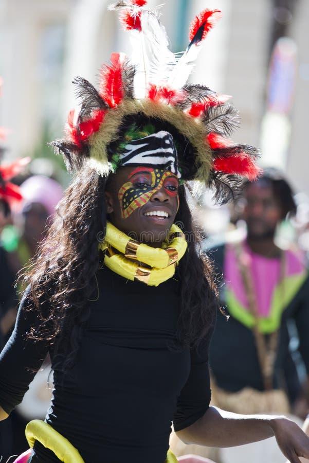 Masker nella parata di festival del limone immagini stock