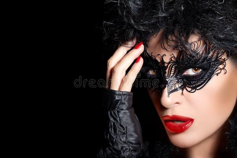 maskerade Hoog Manierportret van Geheimzinnige Vrouw met Zwarte royalty-vrije stock fotografie