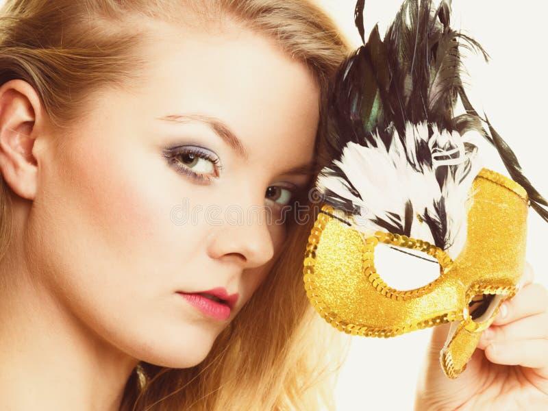 maskerade Schönes Mädchen in der Karnevalsmaske stockfotos