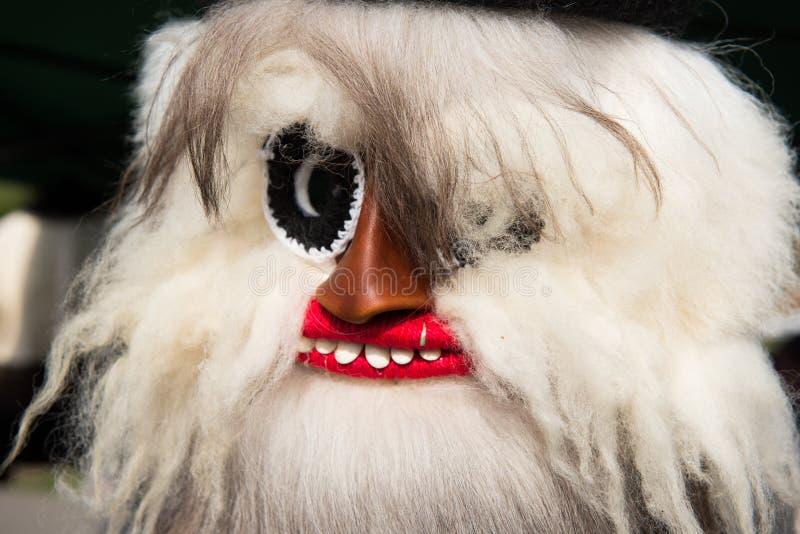 Maskering för jul för vinterferier traditionell, masque från Rumänien arkivbild