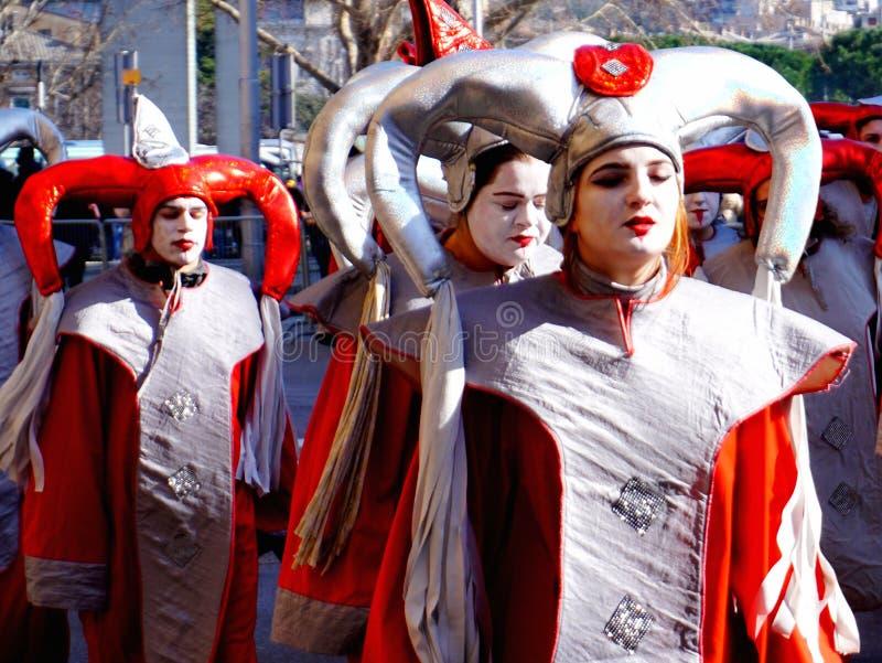 Maskeringar i karnevalet som bearbetar i Fiume, Kroatien royaltyfri bild