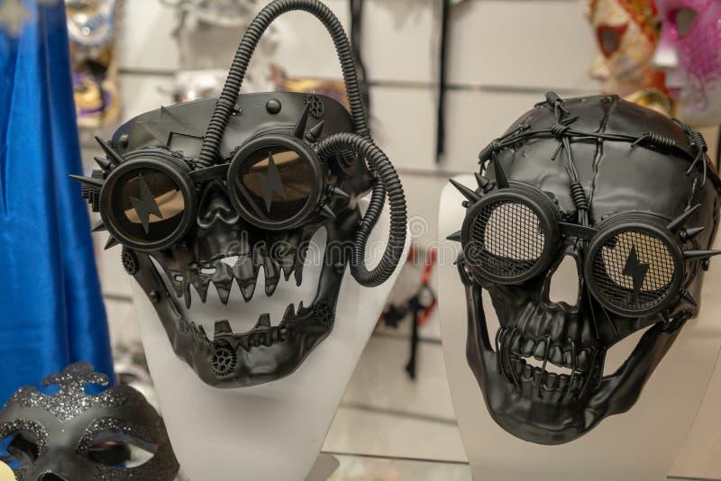 Maskeringarna av den Venedig karnevalet i en ny och futuristisk version royaltyfri bild