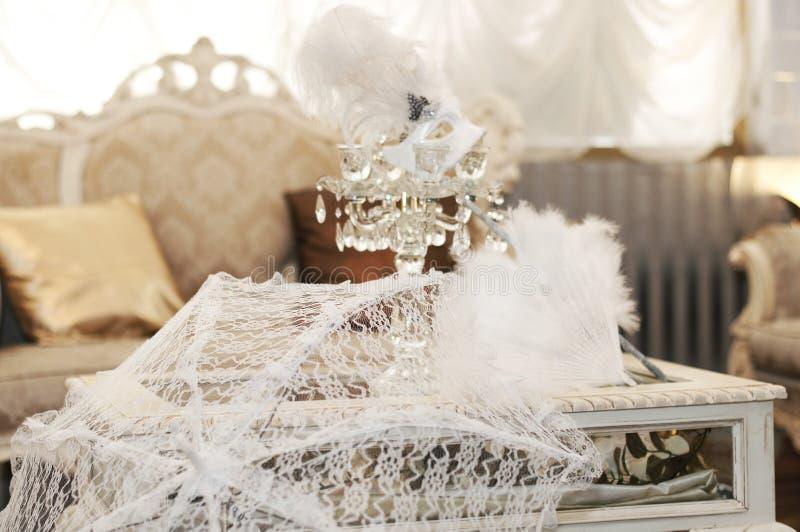 maskeringsbröllop fotografering för bildbyråer