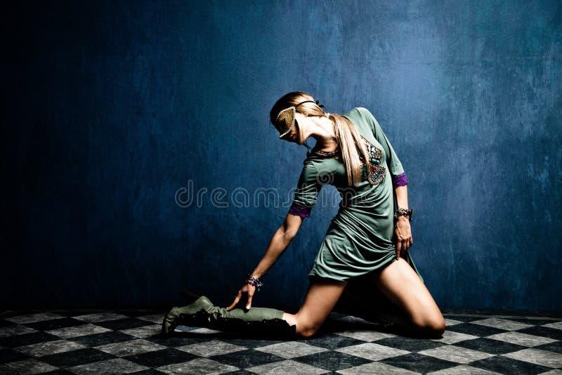 maskeringskvinna arkivbilder