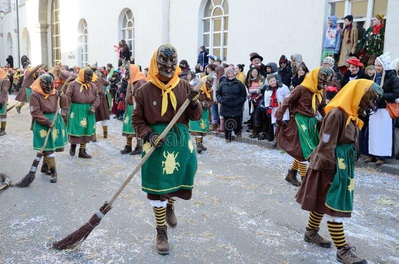 Maskers i karnevalet Fastnacht royaltyfri foto