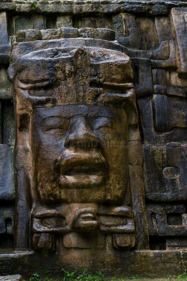 Maskertempel, Lamanai Belize stock foto's
