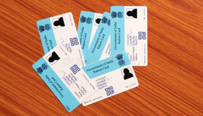 Maski, Karnataka, Inde - 26 juin 2019 : Les cartes de rationnement ont publié b le gouvernement national en Inde pour les rations photos stock