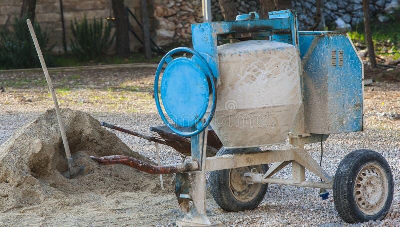 Maskin för konkret blandare på konstruktionsplatsen royaltyfri fotografi