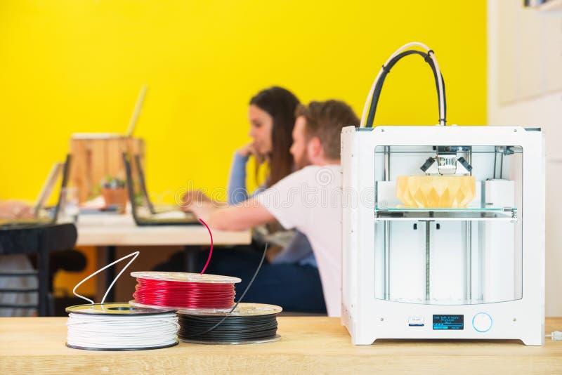 maskin för printing 3D i studio arkivbilder