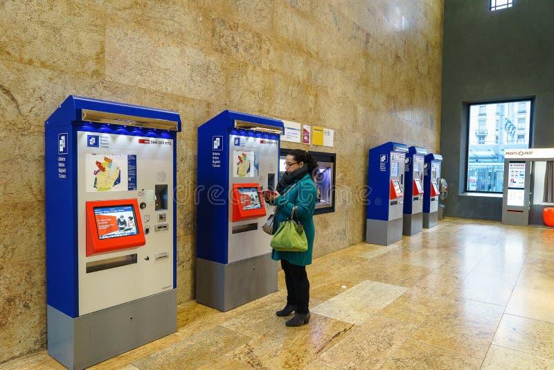 Maskinen för biljett för SBB-CFF FFS arkivfoton