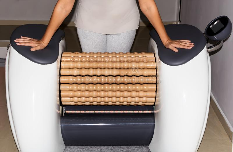Maskiner för massage för rullShaper lymfatiska arkivbilder