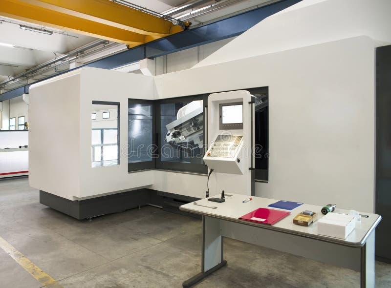 Maskinhjälpmedel med numerisk kontroll för dator - CNC arkivfoto