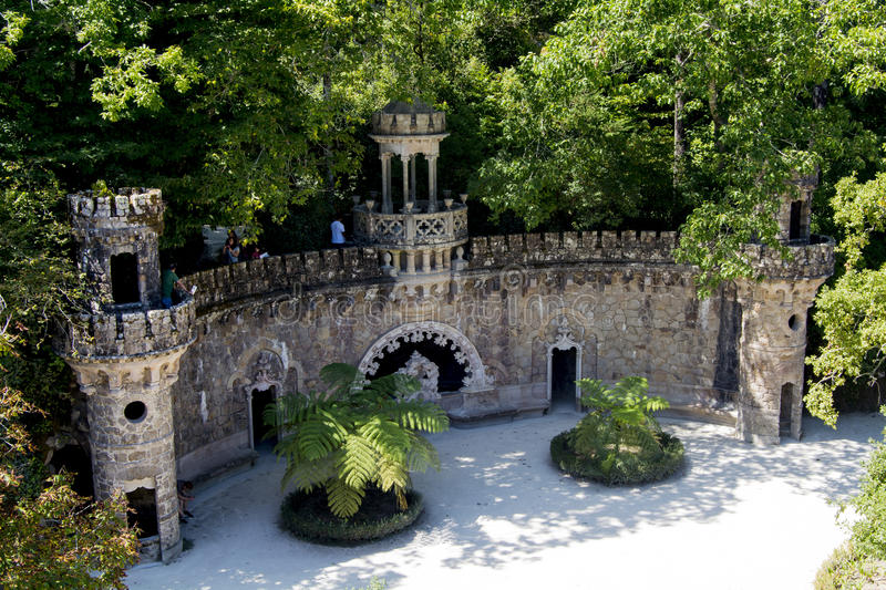 Masonic initiation well editorial photography image of for Jardines quinta da regaleira