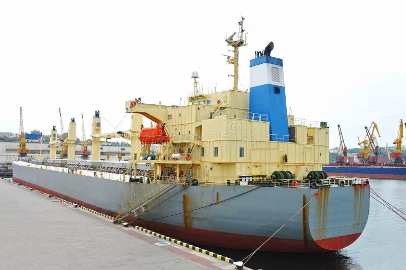 Masowego przewoźnika statek obraz stock