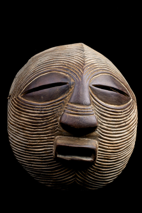 masque africain rond