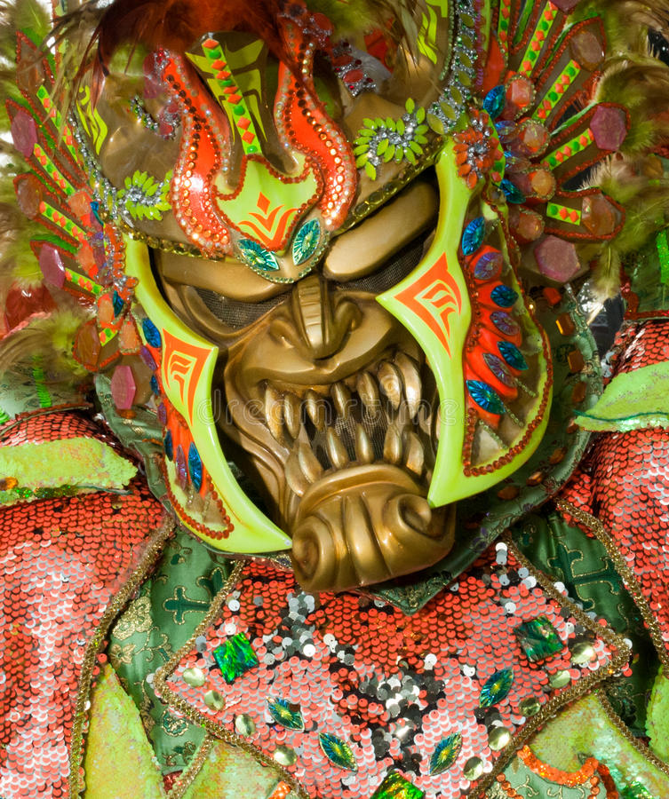 Masque de monstre dans le carnaval de Santo Domingo images stock